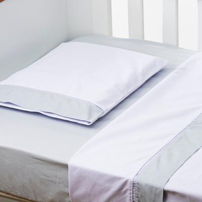 jogo-de-lencol-para-berco-3-pcs-200-fios-branco-com-barrado-cinza