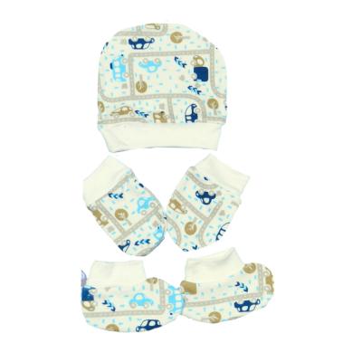 kit-touca-luva-e-sapatinho-de-suedine-para-recem-nascido-palha-carrinhos
