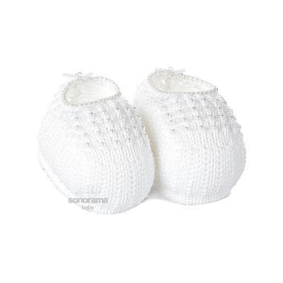 sapatinho-de-trico-com-perolas-branco